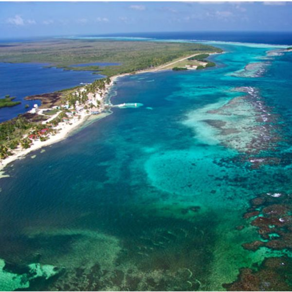 Blackbird Caye Resort Belize