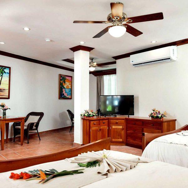 Sunbreeze-Hotel-Premier-family-size