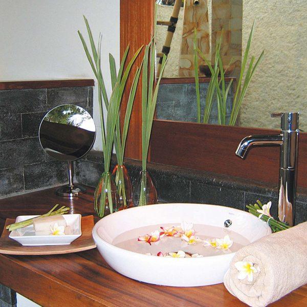 alamBatu Resort Bathroom