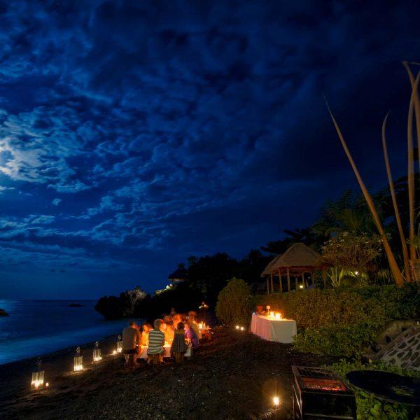 alamBatu dive resort Bali beach dinner