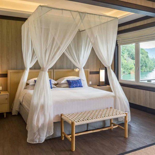 Lembeh Resort Luxury cottage bedroom