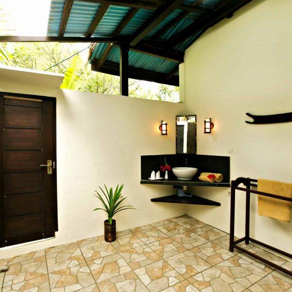 Murex Resort Bangka Bathroom